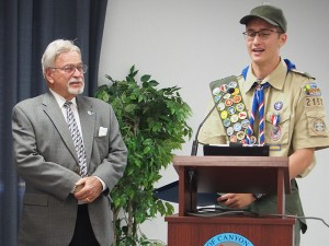 The Friday Flyer teen columnist and Canyon Lake resident Jasen Williams received a proclamation from Mayor Jordan Ehrenkranz at the City Council meeting on September 2. Jasen attained the rank of Eagle Scout on July 27. Photo by Donna Kupke.