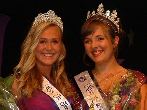 In September 2010, the new Miss Canyon Lake was Jordan Lockey, at right. She's pictured with Jr. Teen Miss Jocelyn Basham.