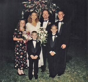 a15-pic-7-chris-n-lynda-wedding
