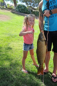 pic-kids-fish-derby-girl-w-biggest-fish2-dk