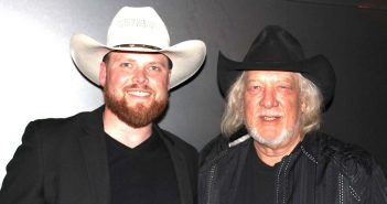 Crowd 'Swingin' at John Anderson, Chase Miller concert