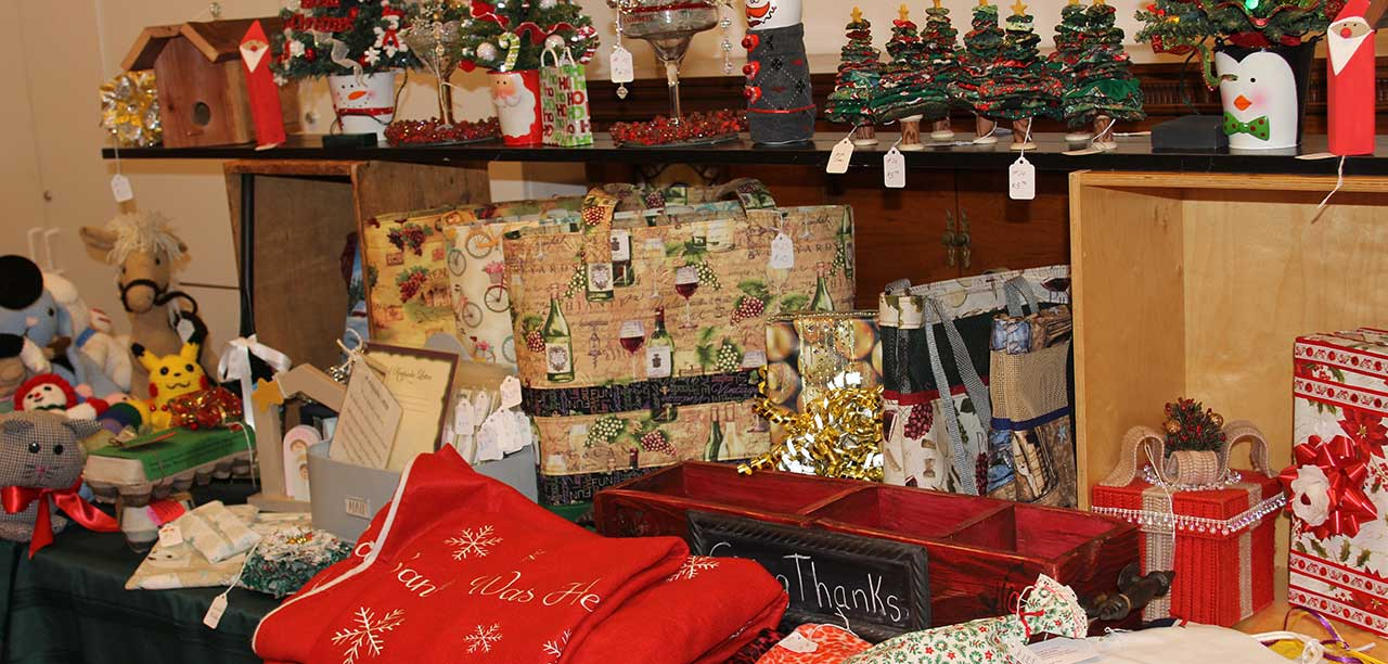 Holiday boutique opens its doors next weekend the friday for Holiday boutique