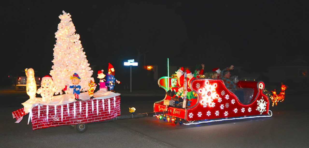 photo by donna ritchie - Golf Cart Christmas Decorations