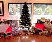 Women's Golf Club collects toys for foster kids