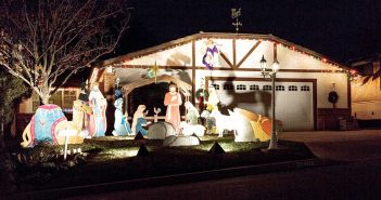 Enter CL holiday Home Decorating Contest by Dec. 15